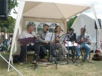 Pratts Bottom Village Fete May 2011 - PLUC Warming Up