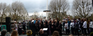 Trade Winds Choir Performing On The Riverside Terrace At Chorus 140405