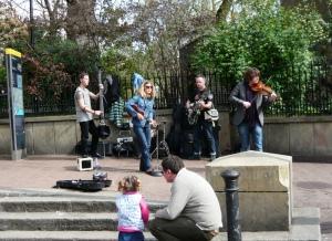 Victoria Embankment Gardens Buskers 140405
