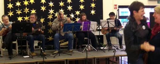Brindishe Green Xmas Fair Nov 2014 12 - Andrew, Rufus, Chris, Jeanette, Simon & Dancers