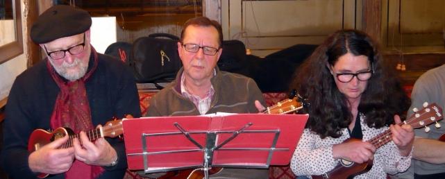Xmas 2014 - 02 Steve J, Bob & Maria 01