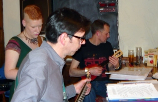 Xmas 2014 - 07 Liz, Simon & Colin 01
